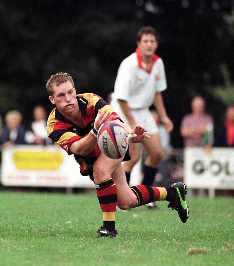 Photo. Richard Lane. .Henley v Richmond. 31/8/98. Bryan Shelbourne gats quick ball away.