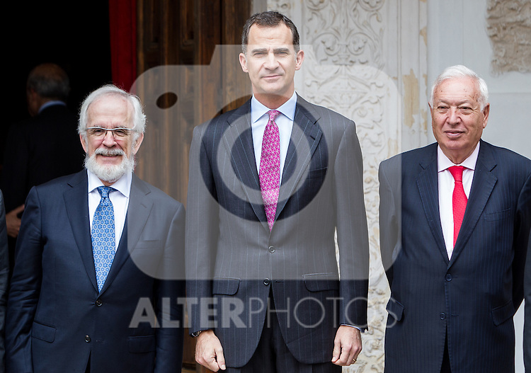 "Antonio Fraguas de Pablo ""Forjes"" , Spanish king, Felipe VI, spanish external subjects minister, José Manuel García-Margallo before the Quevedos iberoamerican award of grafic humor 2014. May 26,2016. (ALTERPHOTOS/Rodrigo Jimenez)"