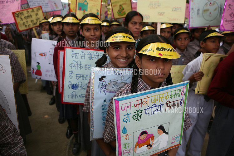 Schoolchildren take part to a polio awareness rally at the Kranti Vidhaya Mandir school in Bangla-Bazar in Lucknow on the eve of the polio immunization drive in Northern India. The drive is part of the campaign to eradicate polio in India and target the high-risk area of Uttar Pradesh and Bihar. (photo Jean-Marc Giboux)