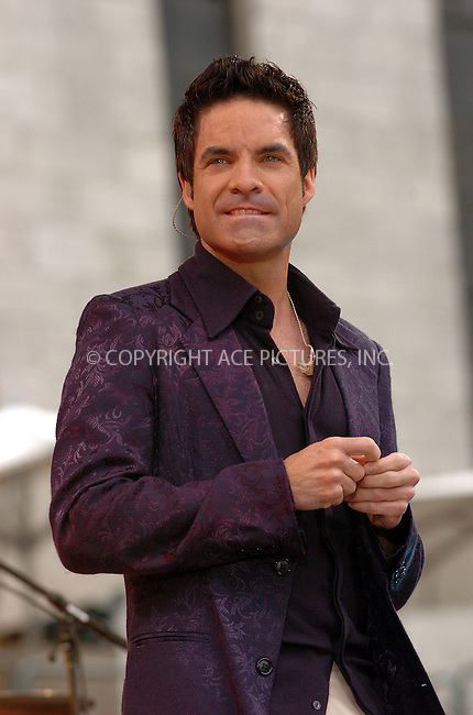Pictured frontman of 'Train,' Pat Monahan, st 'Train' performing on GMA in New York, July 9, 2004...Please byline: AJ SOKALNER/ACE Pictures.   .. *** ***..Ace Pictures, Inc:  ..contact: Alecsey Boldeskul (646) 267-6913 ..Philip Vaughan (646) 769-0430..e-mail: info@acepixs.com