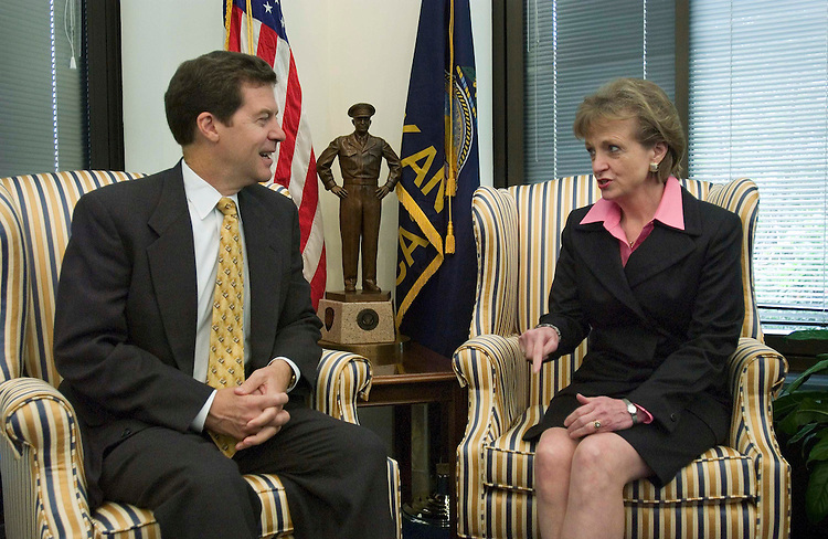 10/06/05.SUPREME COURT NOMINEE HARRIET MIERS--White House counsel Harriet Miers, President Bush's nominee for the U.S. Supreme Court, during a photo opp with Senate Judiciary member Sam Brownback, R-Kan., in his office.. CONGRESSIONAL QUARTERLY PHOTO BY SCOTT J. FERRELL