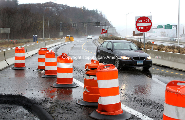 WATERBURY CT. 15 November 2016-111516SV01-The new I84 East bound ramp is open in Waterbury Tuesday.<br /> Steven Valenti Republican-American