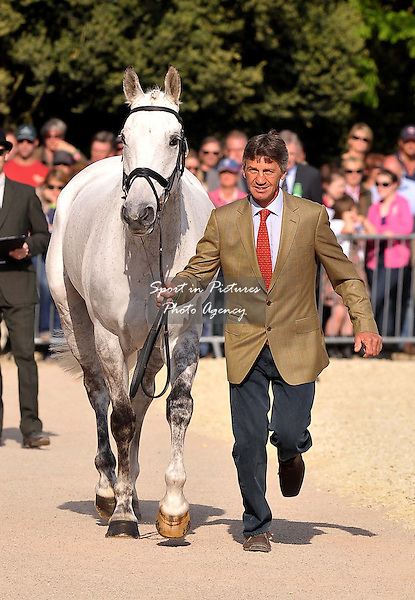 TROT UP. Andrew Nicholson (NZL) riding Avebury, Accepted.  Mitsubishi Motors Badminton Horse Trials. Badminton. Gloucestershire. 06/05/2013. MANDATORY Credit Peter Reynolds/SIP - NO UNAUTHORISED USE - 07837 394578