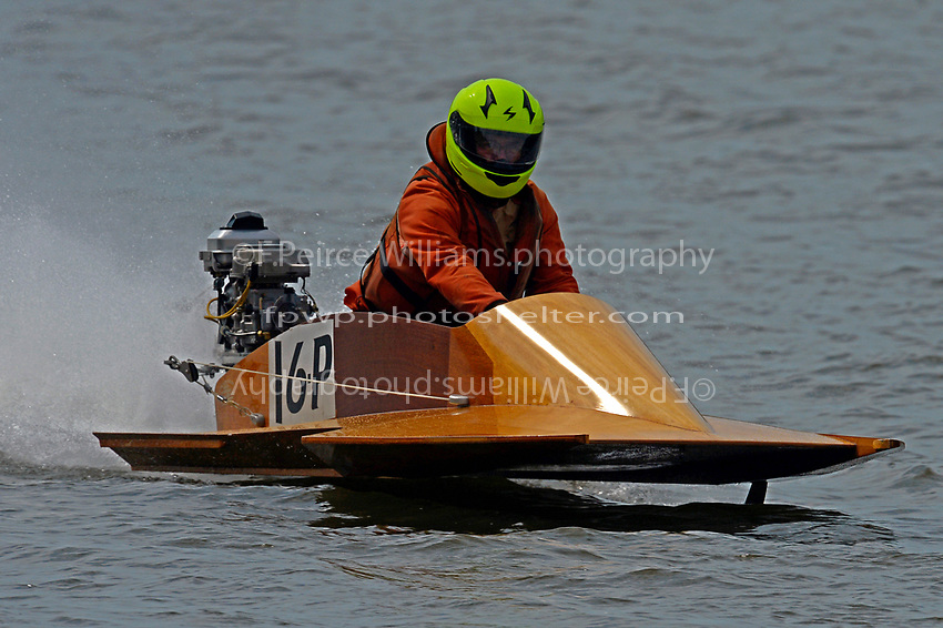 16-P    (Outboard Hydroplane)