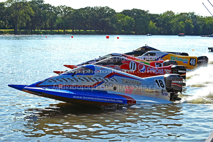 Heat race start: #18, Donny Lick, (#11), #3, Kris Shepard, (#46) and Terry Rinker, (#10) (SST-120 class)