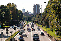 Milano, periferia Nord. Viale Enrico Fermi, ultimo tratto della superstrada da Meda --- Milan, north periphery. Enrico Fermi street, last stretch of the dual carriageway from Meda