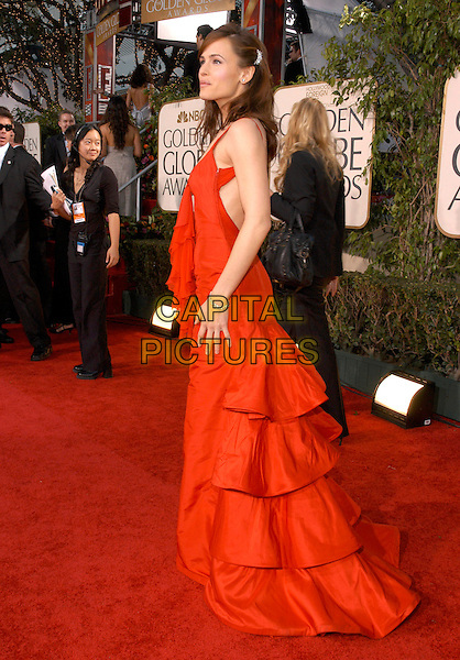 JENNIFER GARNER.62nd Annual Golden Globe Awards, Beverly Hills, Los Angeles, California.January 16th, 2005.full length, red dress, layers, ruffles.www.capitalpictures.com.sales@capitalpictures.com.Supplied by Capital Pictures.