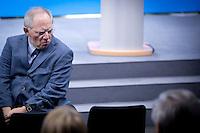 Bundesfinanzminister Wolfgang Schaeuble (CDU) kommt am Montag (16.12.13) in Berlin zur Unterzeichnung des Koalitionsvertrages.<br /> Foto: Axel Schmidt/CommonLens<br /> <br /> Berlin, Germany, politics, Deutschland, 2013, Gro&szlig;e Koalition, Groko, Koalition, SPD, Koalitionsvertrag, Unterzeichnung, signing