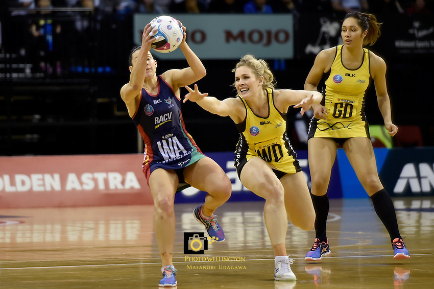 Vixen's Madi Robinson and Pulse's Jacinta Messer in action during the ANZ Championship - Central Pulse v Vixens at TSB Bank Arena, Wellington, New Zealand on Monday 4 July 2016. <br /> Photo by Masanori Udagawa. <br /> www.photowellington.photoshelter.com.