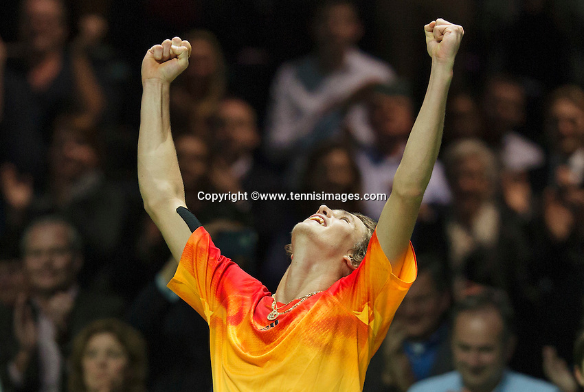 Rotterdam, The Netherlands, Februari 11, 2016,  ABNAMROWTT, Alexander Zverev (GER) jubilates his win over Simon<br /> Photo: Tennisimages/Henk Koster