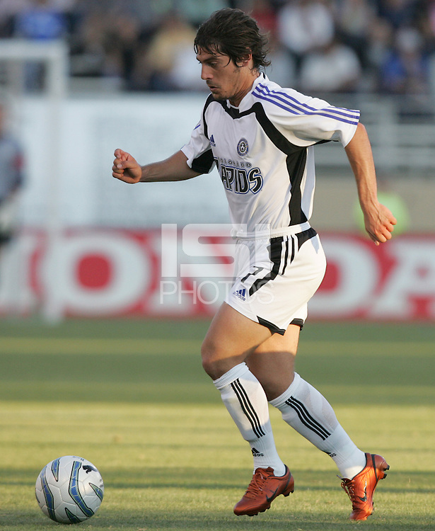 29 June 2005:  Luchi Gonzalez of Rapids in action against Earthquakes at Spartan Stadium in San Jose, California.   Earthquakes defeated Rapids, 1-0.  Mandatory Credit: Michael Pimentel / ISI