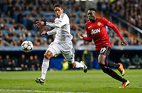 Real Madrid's Raphael Varane (l) and Manchester United's Danny Welbeck during Champions League 2012/2013 match.February 12,2013. (ALTERPHOTOS/Alfaqui/Alex Cid-Fuentes)