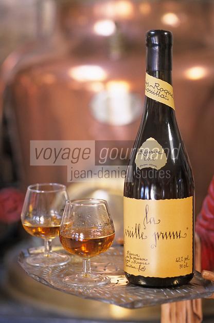 """Europe/France/Midi-Pyrénées/46/Lot/Souillac: Distillerie Louis Roque 41 Av Jean Jaurès qui produit la célèbre """"Vieille Prune"""""""