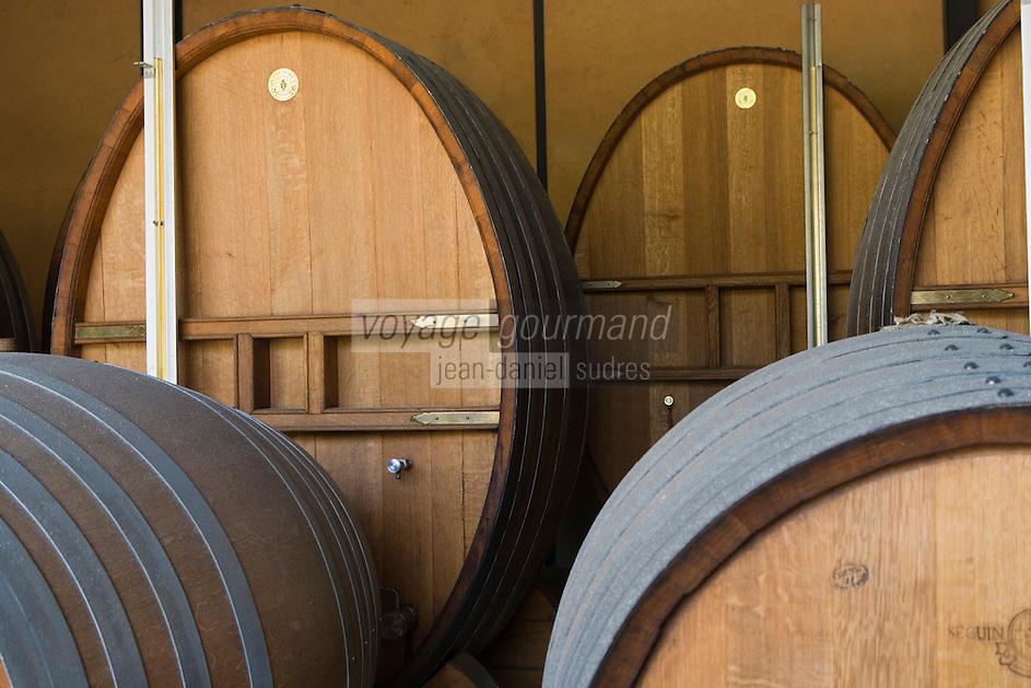 France/DOM/Martinique/ Saint-Pierre:  Distillerie Neisson -Rhum AOC de la Martinique- le chai à barriques ou murissent les rhums vieux