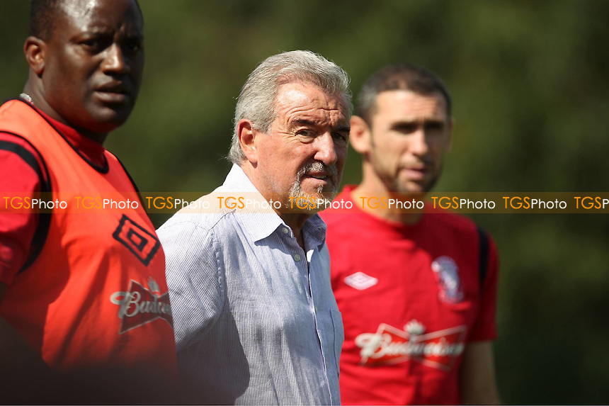 Wembley's Technical Advisor Terry Venables looks on - Uxbridge vs Wembley - FA Cup Preliminary Round Football at Honeycroft, Uxbridge, Middlesex - 26/08/12 - MANDATORY CREDIT: Andy Nunn/TGSPHOTO - Self billing applies where appropriate - 0845 094 6026 - contact@tgsphoto.co.uk - NO UNPAID USE.