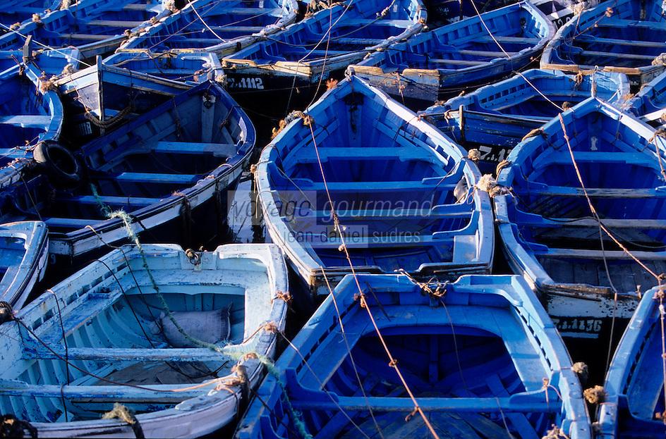 Afrique/Maghreb/Maroc/Essaouira : Barques de pêcheurs sur le port