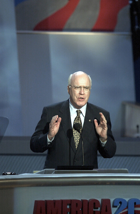 DNCconvention26(DG)081700 -- Patrick J. Leahy, D-Vt., during his speech at the democratic national convention in California.