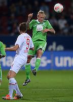 FUSSBALL   1. BUNDESLIGA  SAISON 2012/2013   3. Spieltag FC Augsburg - VfL Wolfsburg           14.09.2012 Torsten Oehrl (li, FC Augsburg) gegen Simon Kjaer (VfL Wolfsburg)