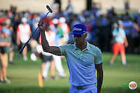 Rafa Cabrera-Bello (ESP) receives tremendous applause as he needs an eagle to win or a birdie to tie with Danny Willett (ENG) during the Final Round of the 2016 Omega Dubai Desert Classic, played on the Emirates Golf Club, Dubai, United Arab Emirates.  07/02/2016. Picture: Golffile | David Lloyd<br /> <br /> All photos usage must carry mandatory copyright credit (&copy; Golffile | David Lloyd)