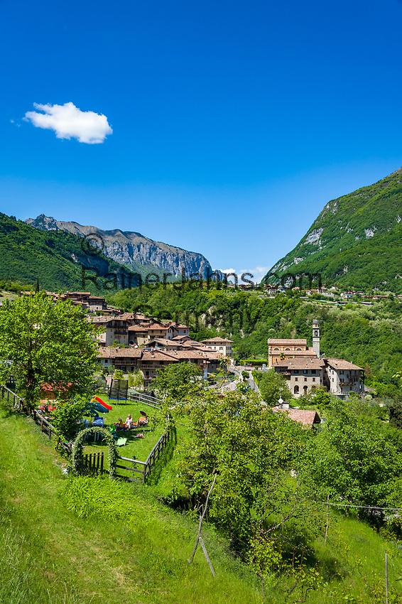 Italy, Trentino, Tenno - district Pranzo: mountain village north of Lake Garda | Italien, Trentino, Tenno - Ortsteil Pranzo: Bergdorf noerdlich des Gardasees