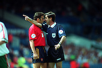 Pix:Michael Steele/SWpix...International Soccer. Euro '96, Spain v Bulgaria, Elland Road, Leeds...COPYRIGHT PICTURE>>SIMON WILKINSON..Spains Juan Antonio Pizzi confronts the referee Ceccarini.