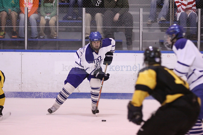 Forward Daniel Ampleford handles the puck in the game against Kennesaw State at Lexington Ice Center on Friday, Oct. 30, 2009. Photo by Scott Hannigan | Staff