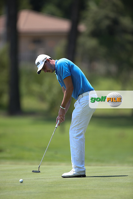 Matthew Nixon (ENG) cards a 68 on the West Course during Round Two of the Joburg Open 2015 at the Royal Johannesburg & Kensington Golf Club, Johannesburg, Gauteng, South Africa. Picture:  David Lloyd / www.golffile.ie. 27/02/2015