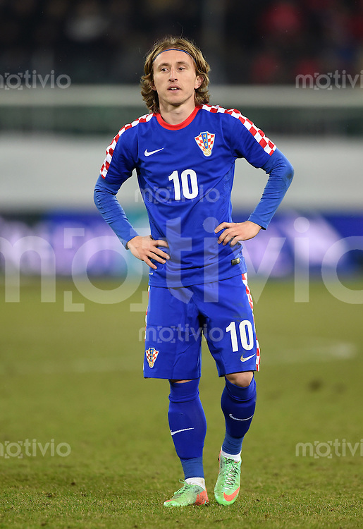 FUSSBALL INTERNATIONALES TESTSPIEL in Sankt Gallen Schweiz - Kroatien       05.03.2014 Luka Modric (Kroatien) nachdenklich