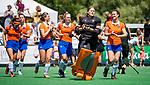 BLOEMENDAAL - Blijdschap bij Bloemendaal, Diana Beemster (Bldaal), Nine Rijna (Bldaal) , <br />   na de tweede Play Out wedstrijd hockey dames, Bloemendaal-MOP (5-1)  COPYRIGHT KOEN SUYK