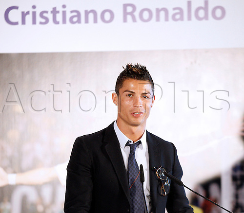 15.09.2013 Madrid, Spain.  Renewal of contract Cristiano Ronaldo for five years at Real Madrid signed until 2018. Press Conference at Santiago Bernabeu stadium. The picture shows Cristiano Ronaldo