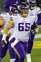 Minnesota Vikings center Pat Elflein (65) during a National Football League game against the Green Bay Packers on December 23rd, 2017 at Lambeau Field in Green Bay, Wisconsin. Minnesota defeated Green Bay 16-0. (Brad Krause/Krause Sports Photography)