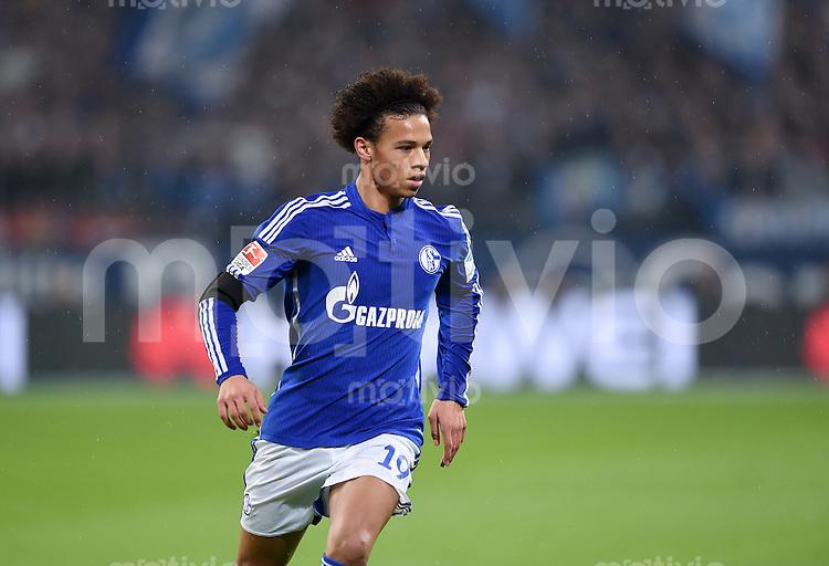 Fussball  1. Bundesliga  Saison 2015/2016  13. Spieltag in Gelsenkirchen FC Schalke 04 - FC Bayern Muenchen     21.11.2015 Leroy Sane (FC Schalke 04)