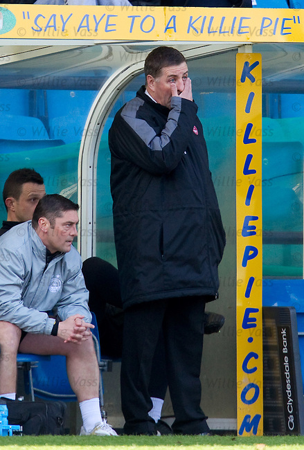 Aberdeen manager mark McGhee looking tortured as his side go two goals down