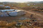 LEBANON Beqaa valley, Deir el Ahmad, camp for syrian refugees / LIBANON Bekaa Tal, Deir el Ahmad, Camp fuer syrische Fluechtlinge am Dorfrand