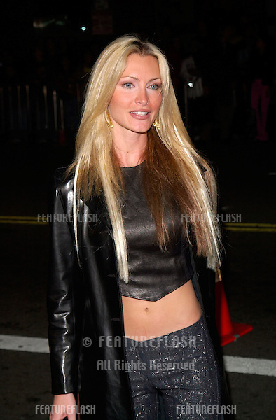 Model CAPRICE at the Los Angeles premiere of The 6th Day..13NOV2000.  © Paul Smith / Featureflash