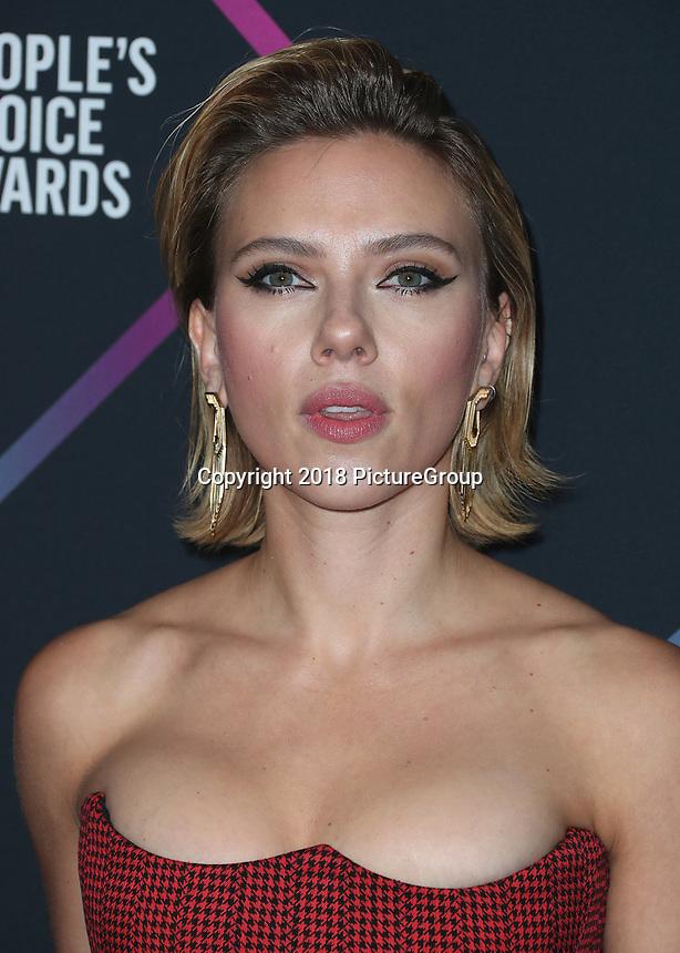 SANTA MONICA - NOVEMBER 11:  Scarlett Johansson at the People's Choice Awards 2018 at The Barker Hangar on November 11, 2018 in Santa Monica, California. (Photo by Xavier Collin/PictureGroup)