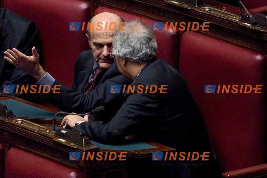 LA CAMERA DEI DEPUTATI RESPINGE IL RENDICONTO GENERALE DELL AMMINISTRAZIONE DELLO STATO PER L ESERCIZIO FINANZIARIO 2010..NELLA FOTO PIER LUIGI BERSANI E WALTER VELTRONI..ROMA 11 OTTOBRE  2011..PHOTO  SERENA CREMASCHI INSIDEFOTO..............................