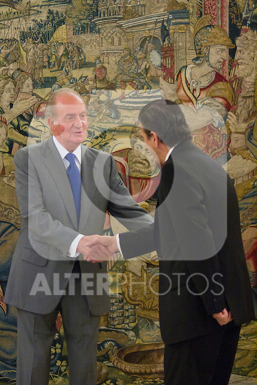 25.07.2012. King Juan Carlos of Spain attends audiences wich Directors and Management Committee Press Malaga, on the occasion of 75 anniversary of the newspaper Sur, chaired by Mr Enrique de Ybarra e Ybarra at Zarzuela Palace. In the image Juan Carlos I and Enrique de Ybarra e Ybarra (Alterphotos/Marta Gonzalez)