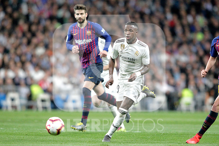 Real Madrid CF's Vinicius Junior  and FC Barcelona's Sergio Busquets during La Liga match. March 02,2019. (ALTERPHOTOS/Alconada)