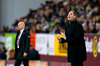 Swansea City manager Paul Clement shouts instructions during the Premier League match between Burnley and Swansea City at Turf Moor, Burnley, England, UK. Saturday 18 November 2017