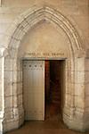 20060213 - France - Vincennes<br />COULISSES DU CHATEAU DE VINCENNES : L'ENTREE DANS LE MEMORIAL DES CHASSEURS<br />Ref: COULISSES_DU_CHATEAU_017 - © Philippe Noisette