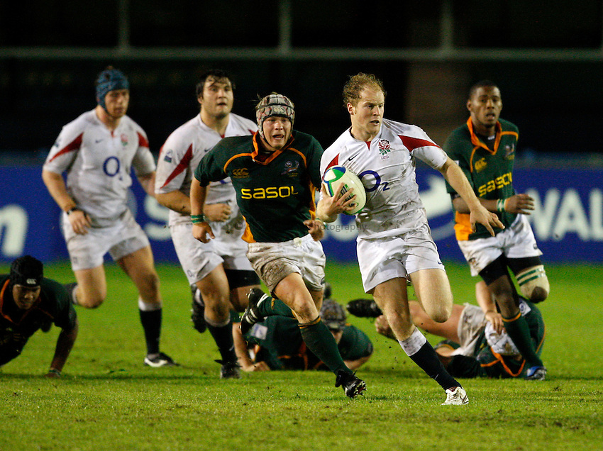Photo: Richard Lane/Richard Lane Photography. England U20 v South Africa U20. Semi Final. 18/06/2008. England's Joe Simpson attacks from deep.