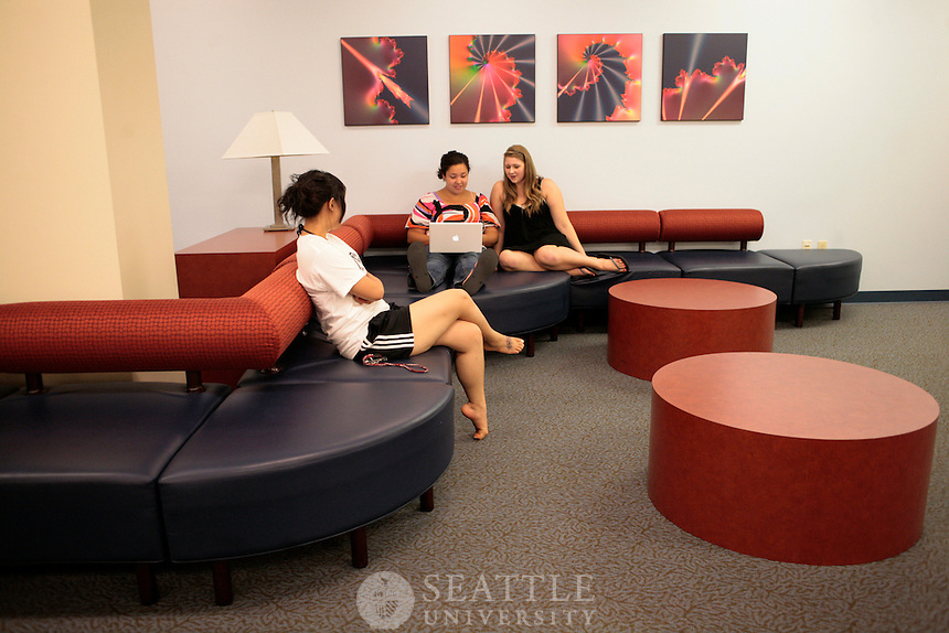 06042009- Seattle University, Bellarmine Residence Hall, Xavier Residence Hall, viewbook, common dorm living areas
