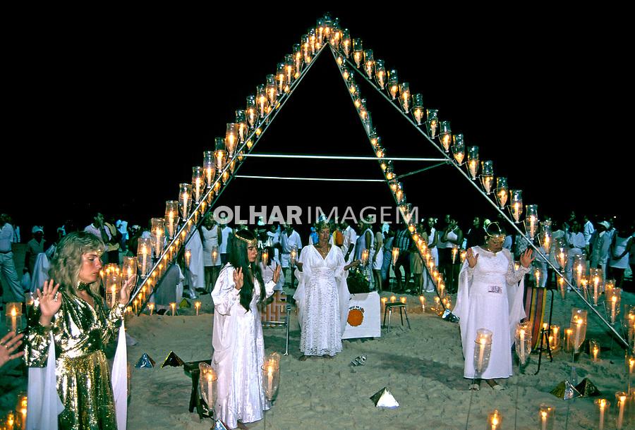 Festa do Ano Novo na Praia de Copacabana, Rio de Janeiro. 1997. Foto de Juca Martins.
