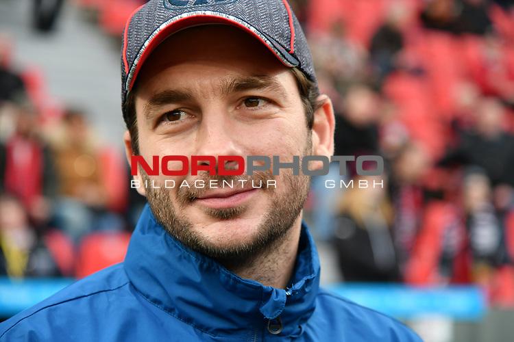 28.01.2018, BayArena, Leverkusen , GER, 1.FBL., Bayer 04 Leverkusen vs. 1. FSV Mainz 05<br /> im Bild / picture shows: <br /> Sandro Schwarz Trainer / Headcoach (Mainz 05), Querformat, <br /> <br /> <br /> Foto &copy; nordphoto / Meuter