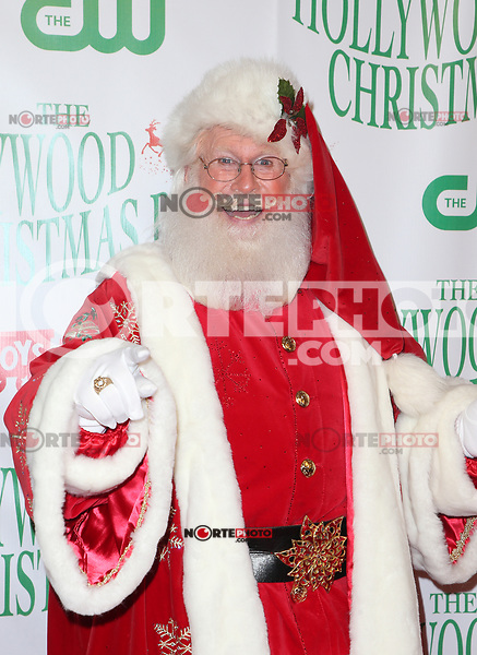 HOLLYWOOD, CA - NOVEMBER 26: Santa Clause, at 86th Annual Hollywood Christmas Parade at Hollywood Blvd in Hollywood, California on November 26, 2017. Credit: Faye Sadou/MediaPunch /NortePhoto NORTEPHOTOMEXICO