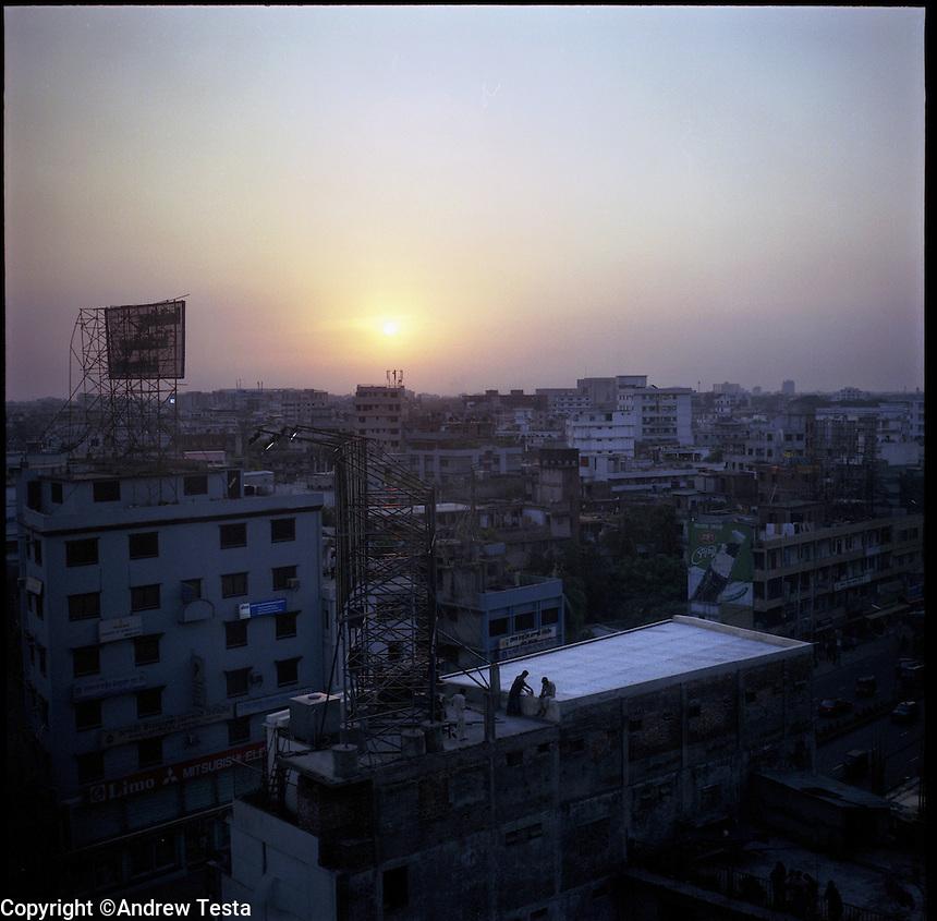 BANGLADESH. Dhaka. June 2005..©Andrew Testa