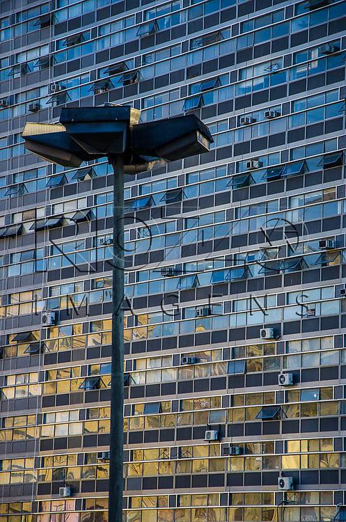 Detalhe das janelas do Edifício Mirante do Vale no Vale do Anhangabaú no centro histórico da capital paulista, São Paulo-SP, 01/2014.