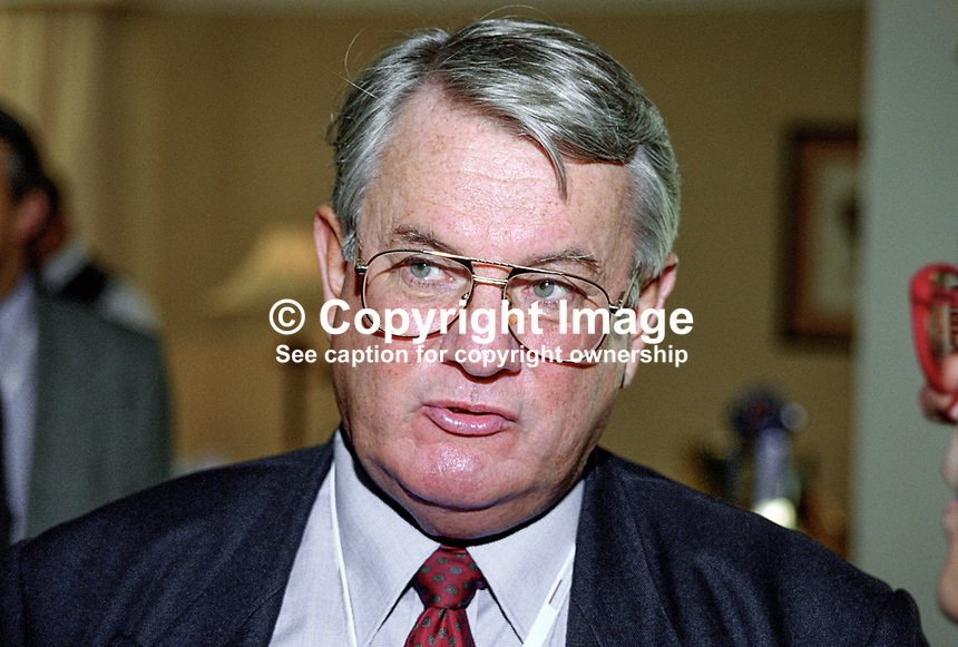 Lord Tomlinson, aka John Tomlinson, Labour Party, MEP, Birmingham West, Britain, UK, 199810135, Baron Tomlinson of Walsall..Copyright Image from Victor Patterson, 54 Dorchester Park, Belfast, UK, BT9 6RJ..Tel: +44 28 9066 1296.Mob: +44 7802 353836.Voicemail +44 20 8816 7153.Skype: victorpattersonbelfast.Email: victorpatterson@me.com.Email: victorpatterson@ireland.com (back-up)..IMPORTANT: If you wish to use this image or any other of my images please go to www.victorpatterson.com and click on the Terms & Conditions. Then contact me by email or phone with the reference number(s) of the image(s) concerned.