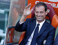 Calcio, Serie A: Roma vs Juventus. Roma, stadio Olimpico, 30 agosto 2015.<br /> Juventus coach Massimiliano Allegri waves prior to the start of the Italian Serie A football match between Roma and Juventus at Rome's Olympic stadium, 30 August 2015.<br /> UPDATE IMAGES PRESS/Isabella Bonotto